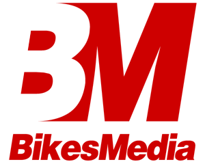 Colored logo of an automobile media website